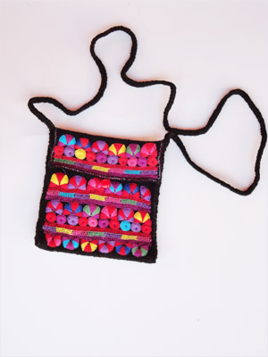 FRIENDSHIP BRACELETS / Chamula handwoven small size handbag